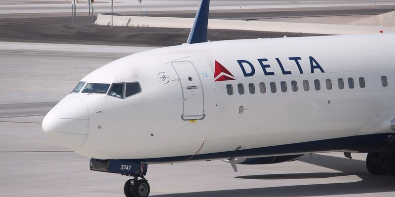 Delta will now offer you $10,000 to switch flights
