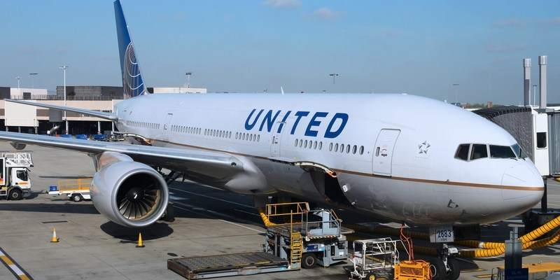Claim: Woman forced to urinate in cup on United flight