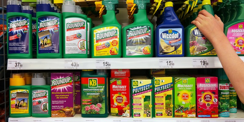 Lawsuits claim this weed killer causes cancer