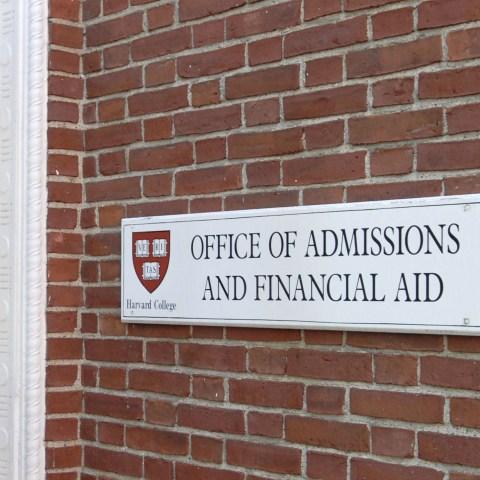 Harvard rescinds acceptance letters over offensive social media posts