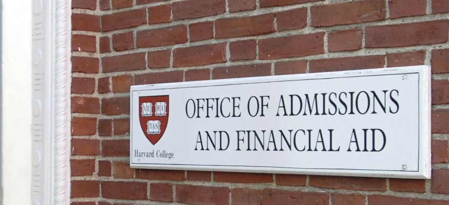 Harvard rescinds acceptance letters over offensive social media posts