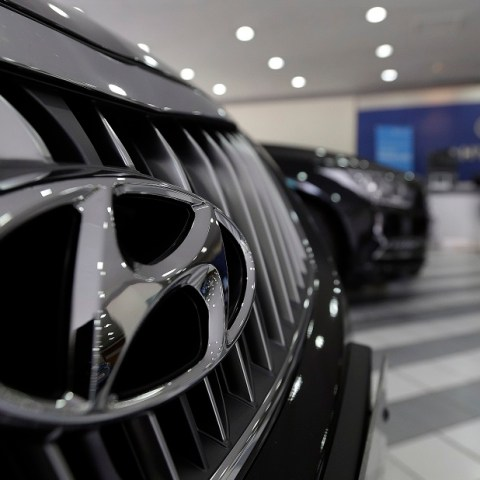 Hyundai recalls vehicles to fix hood latches, warning lights