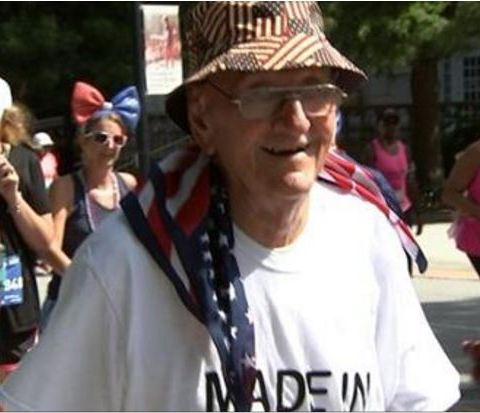 Clark gives WWII veteran his Peachtree Road Race number