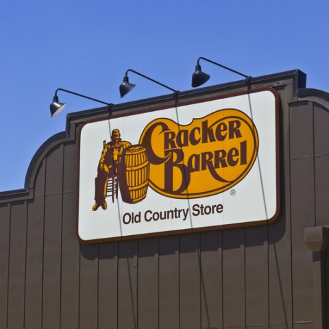 Couple's quest to visit every Cracker Barrel in America nears end