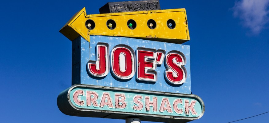 Joe's Crab Shack abruptly closes dozens of restaurants