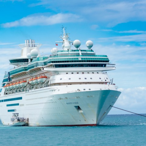 Royal Caribbean cancels cruise, uses ship for Puerto Rico hurricane relief