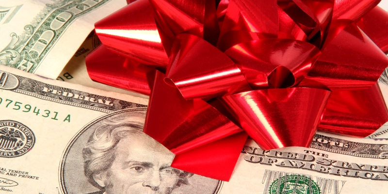 2017 Holiday Tipping and Gift Guide: What to give your boss, hair stylist, babysitter and more!