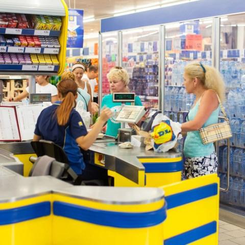 lidl checkout cashier
