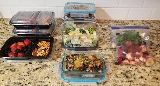 Meal prep: 2 lunches, snack boxes and smoothies