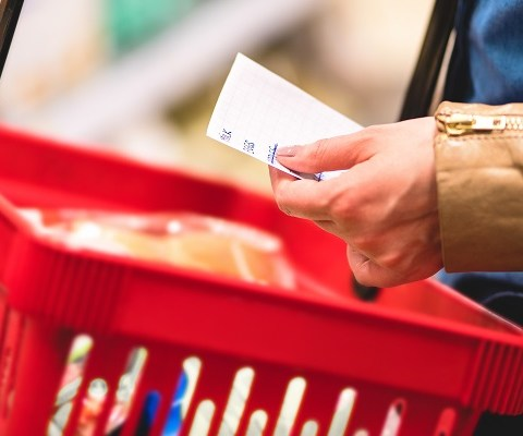 22 ways to save money on groceries