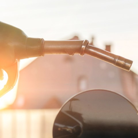 New Study: Nearly 40% of Americans Overpay for Gasoline