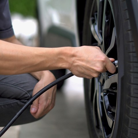Man getting free air in his tires