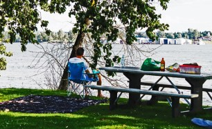 Vancouver Waterfront_picnicing