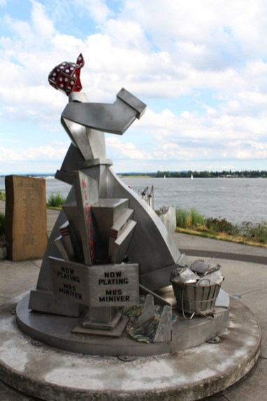 Vancouver Waterfront_sculpture2