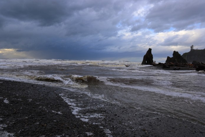How to Storm Watch Grays Harbor Coast Ruby Beach