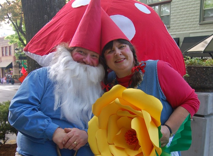 Charlie and Beth Raetz Mr and Mrs Gnome