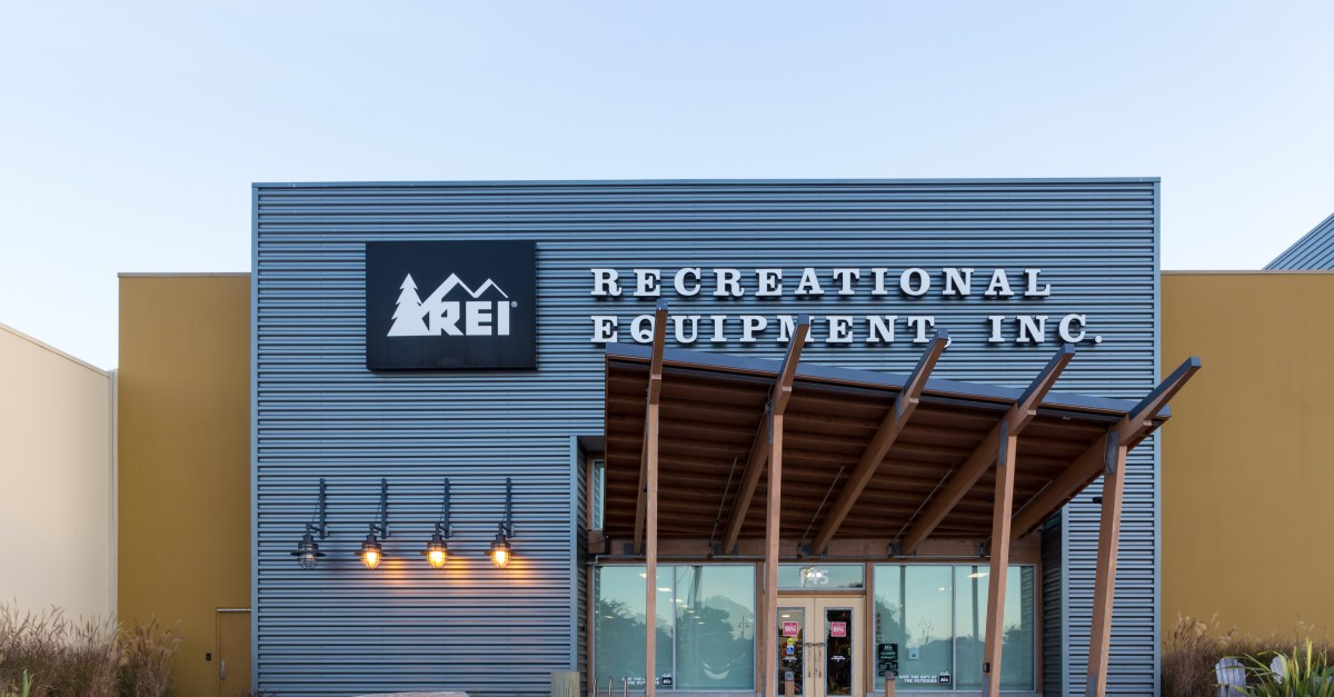 Save $20 when you spend $100 or more at REI Outlet
