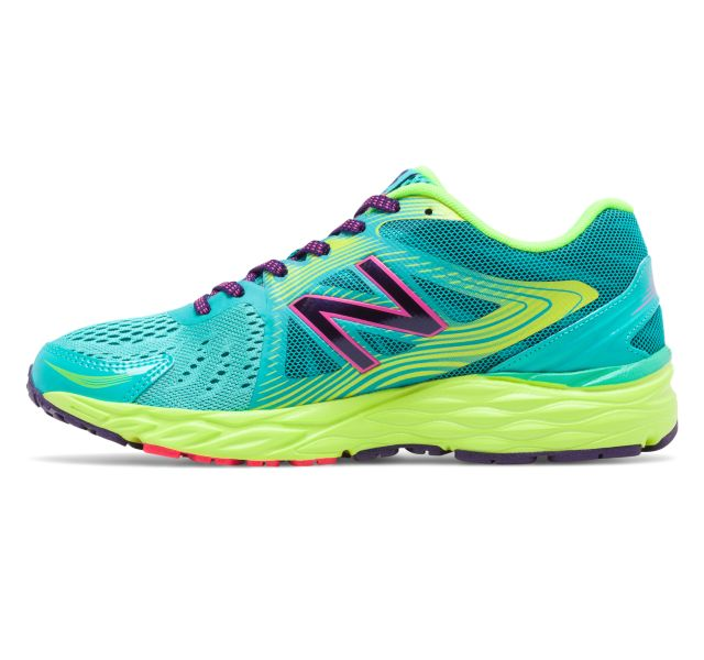Today only: Women's New Balance 680 athletic shoes for $40, free shipping