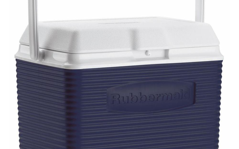 Rubbermaid 10-qt ice chest cooler for $10