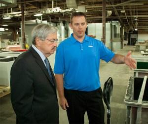 Governor Branstad tours the Altec Manufacturing Facility in Osceola, IA