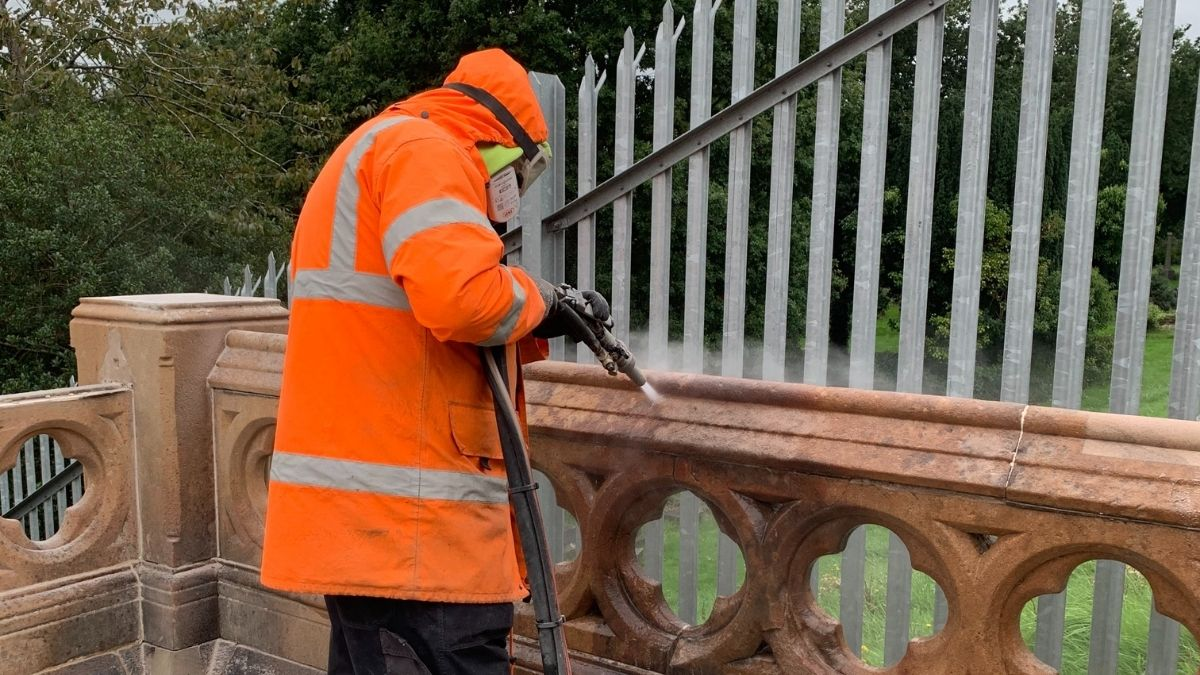 TORC Cleaning at Belfast City Cemetery