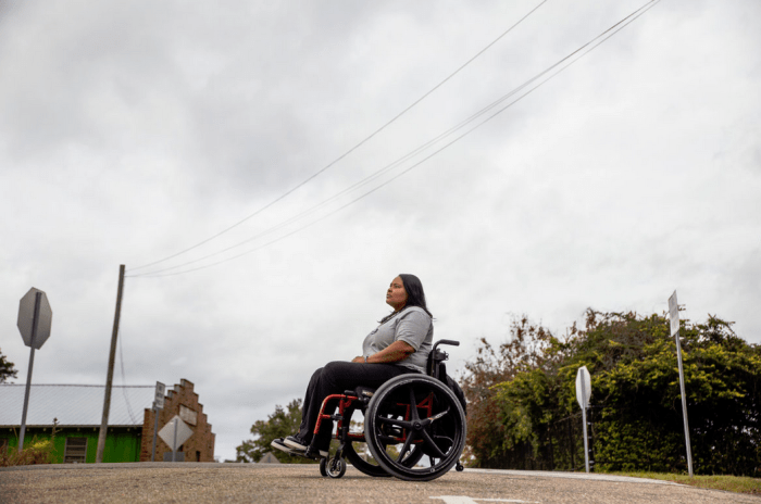 Ishaunna Gully-Bettis is photographed near 4th Street in Hattiesburg Tuesday, November 29, 2018. Bettis was confined to a wheelchair after being shot by her ex-boyfriend. The CDC reports that black women are murdered by domestic partners more than any race of women. (Photo Eric J. Shelton, Mississippi Today)