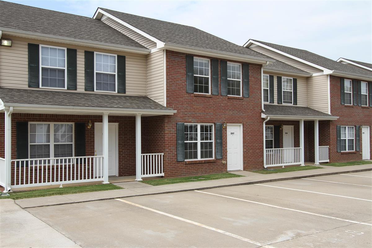 Gateway Village Townhomes & Apartments