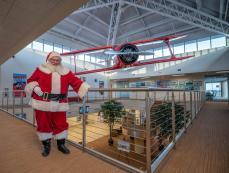 University of Tennessee Rocket Santa Orn Santa Gets There
