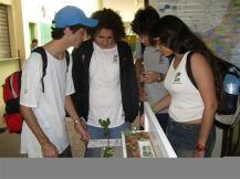 Participação na Jornada de Iniciação Científica Jr, no CAp, UFRJ, 2007, com a maqueta do próprio CAp, com o seu TV.
