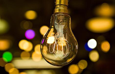 Al mundo le falta luz