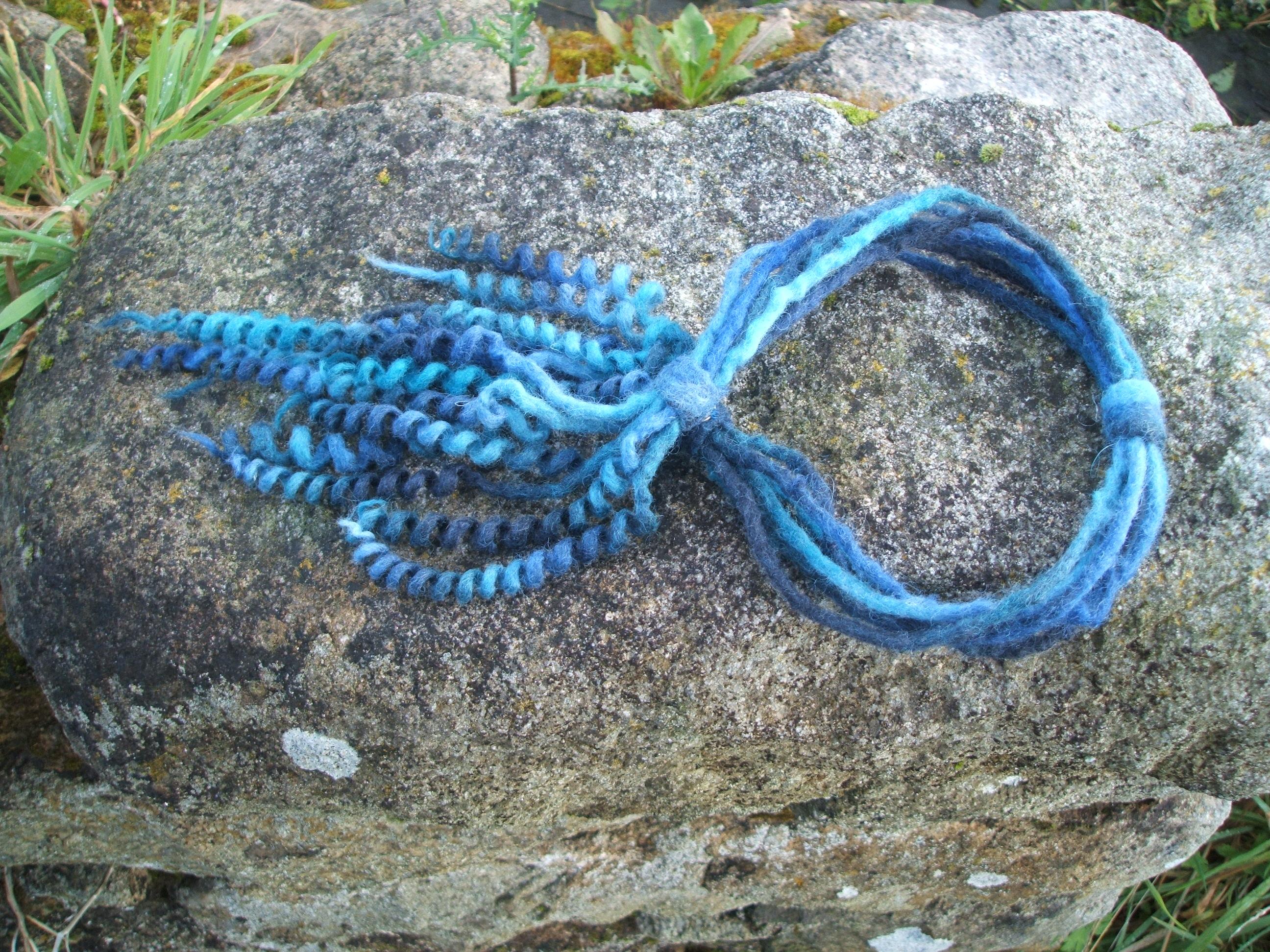 Adjustable spiral neckpiece