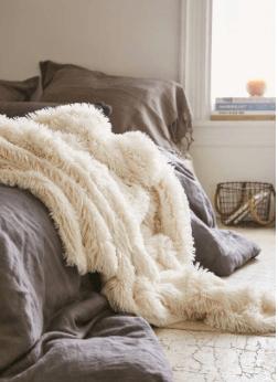 Back-To-School Series '17-'18: Dorm Room Essentials - Class
