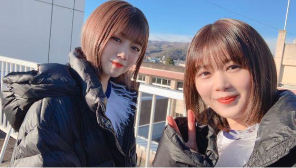 姉妹みたいな尾関梨香(右)と武元唯衣