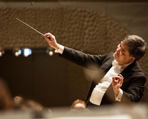 Alan Gilbert dirigeait l'Orchestre Philharmonique de Radio France