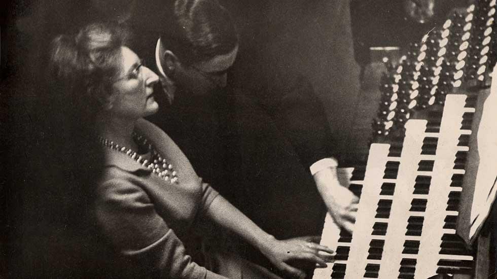 Marie-Madeleine Duruflé aux côtés de son mari Maurice Duruflé