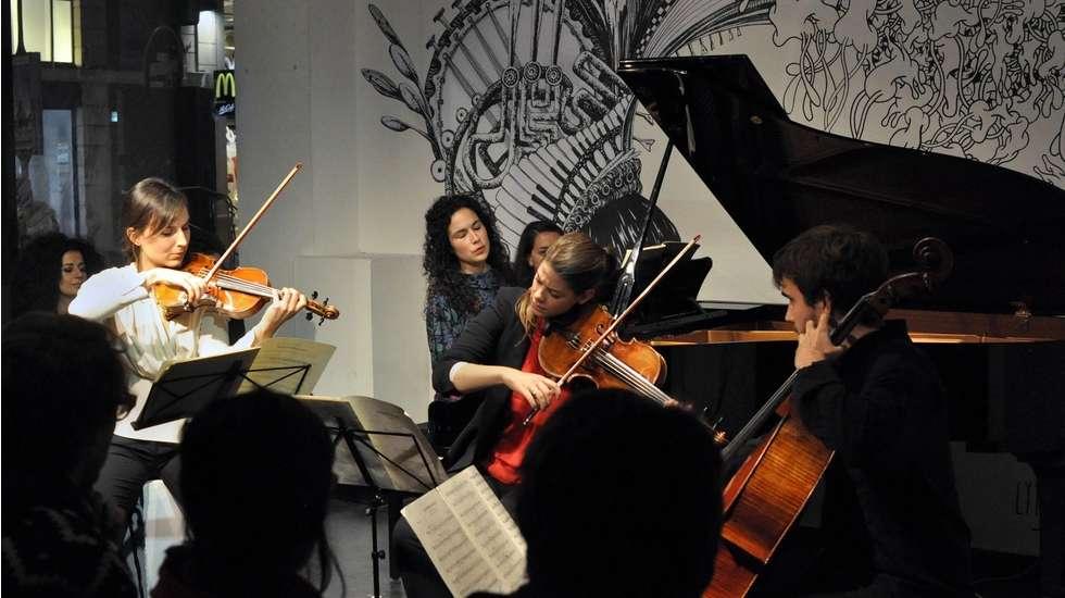 """Le Trio Karenine au festival """"Le classique c'est pour les vieux !"""" © Leila Muse"""