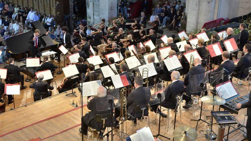 Simon Graichy au piano, Christain Arming dirige l'Orchestre philharmonique royal de Liège copyright Bertrand Pichène