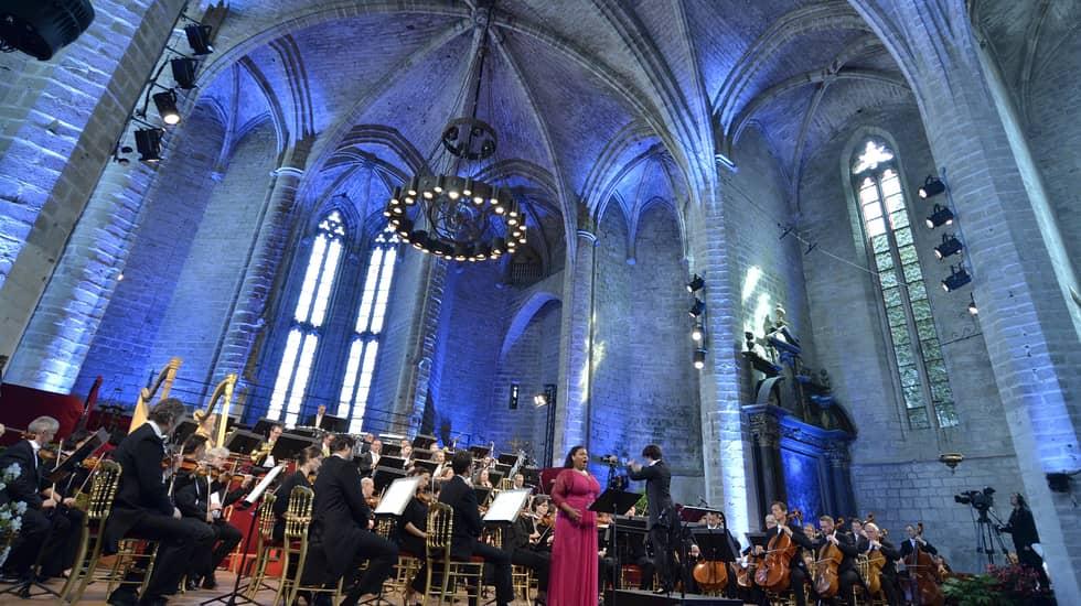 Marie-Laure Garnier avec l'Orchestre National de Lyon dirigé par Marzena Diakun -Photo Bertrand Pichène