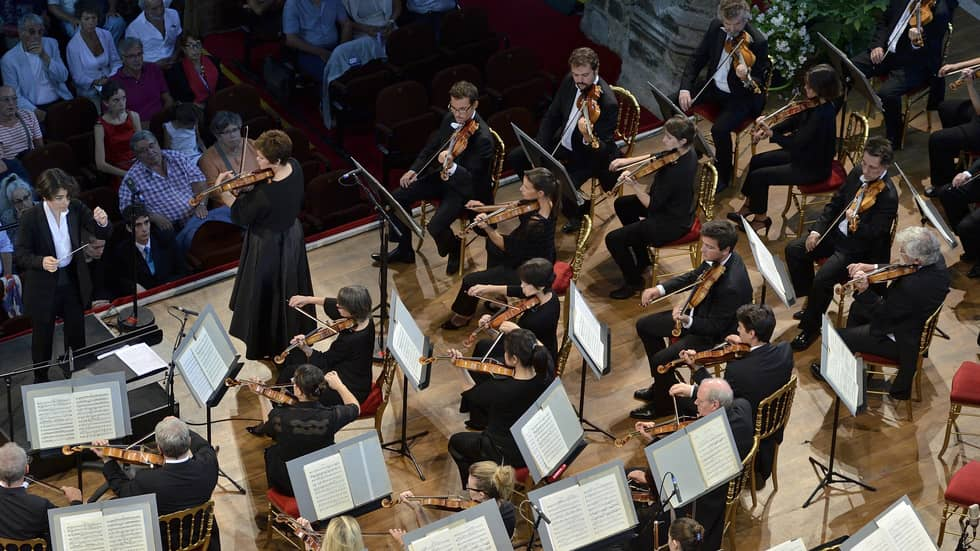 Jennifer Gilbert, violon et l'Orchestre National de Lyon dirigé par Marzena Diakun -Photo Bertrand Pichène