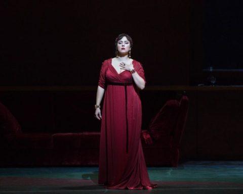 Oksana Dyka (Tosca) @ Marty Sohl/Metropolitan Opera