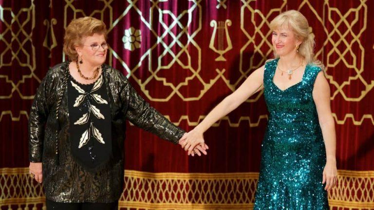 Viorica Cortez et Alina Pavalache en concert à Bucarest en 2015 pour la commémoration du soixantième anniversaire de la disparition de Georges Enesco, sur la scène de l'Athénée Roumain © Aurel Vârlan
