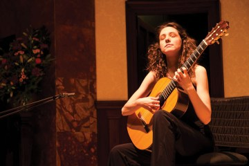 Laura Snowden Classical Guitar Magazine Review Julian Bream