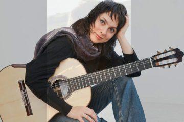 classical guitarist Asya Selyutina