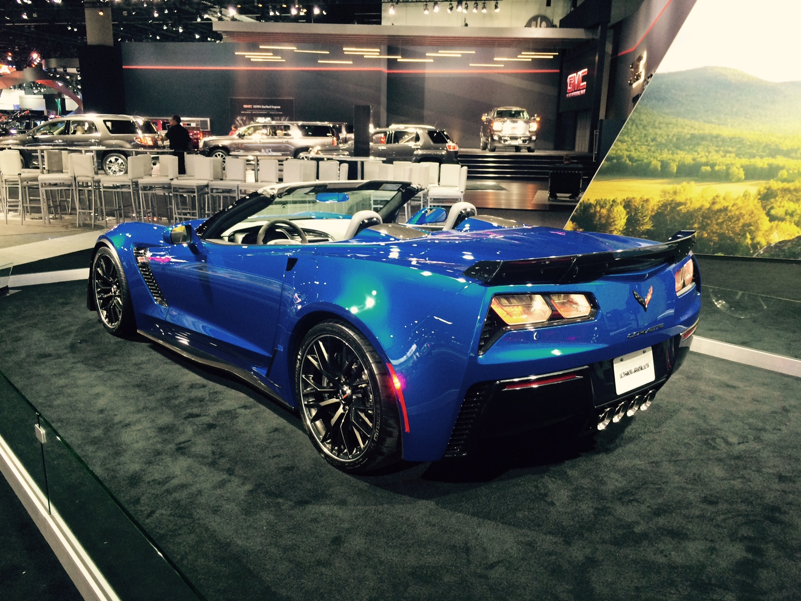 2015 corvette z06 in blue at the la auto show corvette. Black Bedroom Furniture Sets. Home Design Ideas