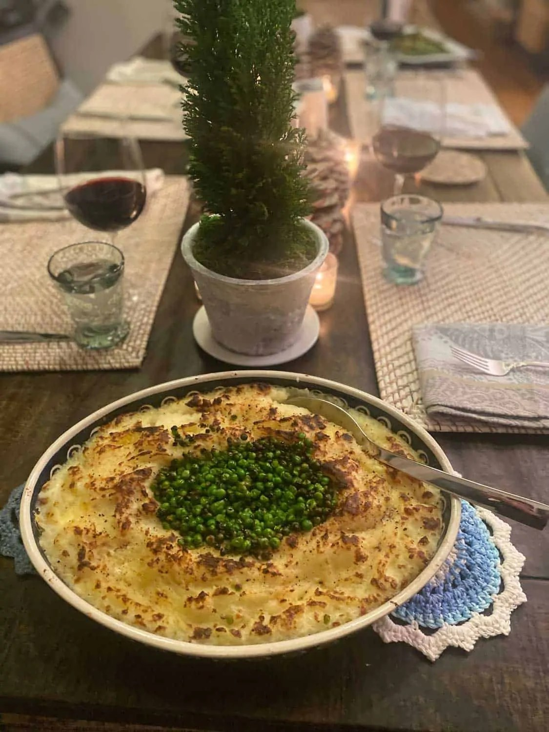 Baked Nashed Potatoes with Mozzarella and Peas