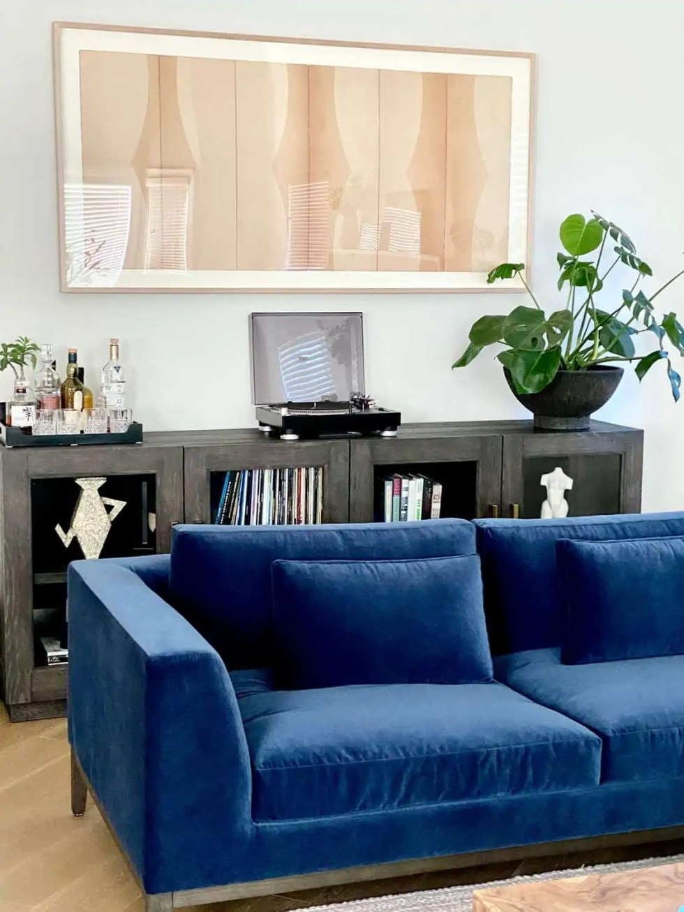 Decorating Modern Traditional Living Room With a Blue Velvet Sofa