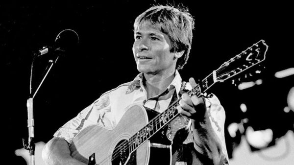 Remembering John Denver With His Last Ever Performance ...