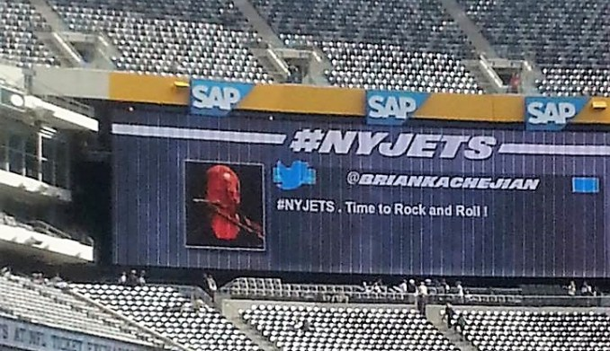 New York Jets Put Fan Tweets   Instagram Pics On Stadium Screens ... db8e4b97f
