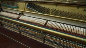 Klaviermechanik Roter Oktober