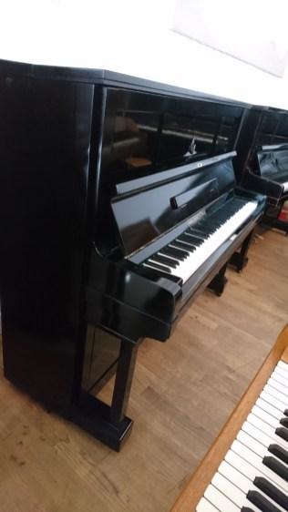 stylish_piano